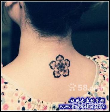 滴血的玫瑰花纹身图分享展示