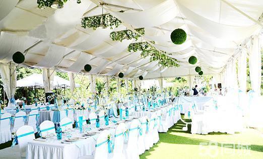 户外婚礼基地拥有300个席位400平米的白色欧式大帐篷