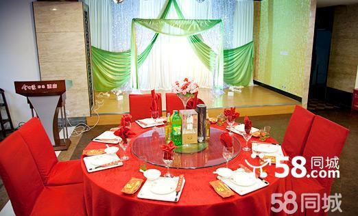 分别可容纳12-30桌同时用餐