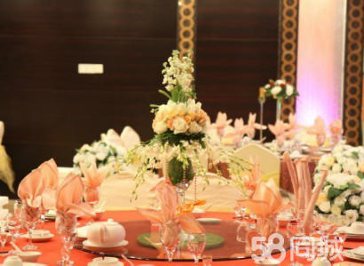 led大屏幕10平方米 2,力群婚庆特色豪华欧式仪式台装饰整条桌边